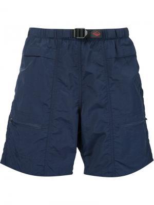 Шорты-бермуды с карманами на молнии Battenwear. Цвет: синий