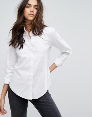Abercrombie & Fitch Приталенная оксфордская рубашка. Цвет: белый