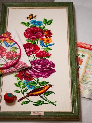Рисунок на канве Куплеты лета 1 Матренин Посад. Цвет: зеленый, белый, розовый