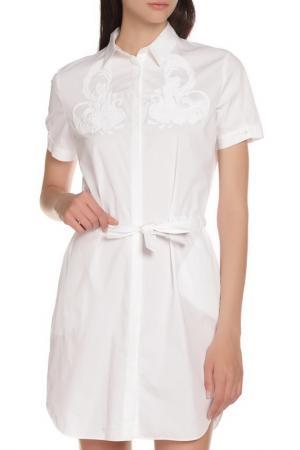 Платье с отложным воротником и поясом Whos Who Who's. Цвет: белый
