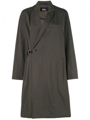 Пальто с запахом и поясом The Reracs. Цвет: зелёный