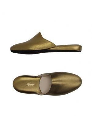 Домашние туфли DAINO. Цвет: золотистый