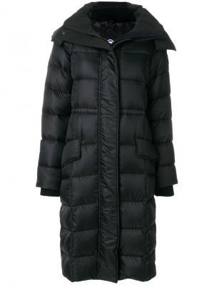 Пуховое пальто с капюшоном Canada Goose. Цвет: чёрный