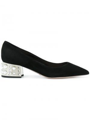 Туфли-лодочки с заостренным носком на декорированном каблуке Sebastian. Цвет: чёрный