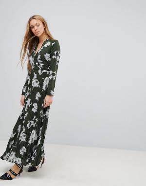 Liquorish Платье макси с цветочным принтом и плиссированной юбкой. Цвет: зеленый