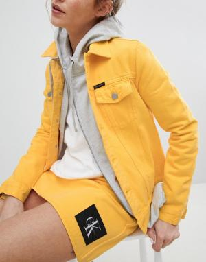 Calvin Klein Джинсовая куртка Jeans Archive. Цвет: желтый