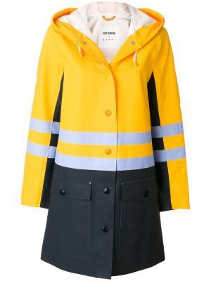 Пальто-дождевик  x Stutterheim Marni. Цвет: жёлтый и оранжевый