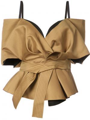 Блузка с открытыми плечами и поясом Acler. Цвет: коричневый
