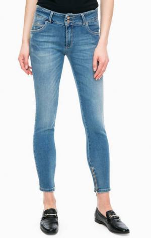 Зауженные синие джинсы с декоративными заломами Kocca. Цвет: синий