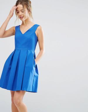Closet London Короткое приталенное платье с V-образным вырезом. Цвет: синий