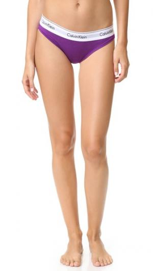 Современные трусики-бикини из хлопка Calvin Klein Underwear. Цвет: ярко-фиолетовый