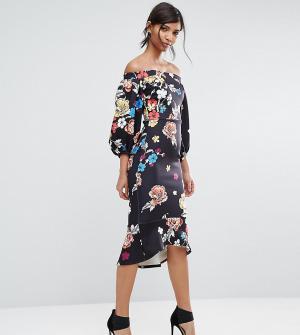 True Violet Облегающее платье с пышными рукавами на манжетах и оборкой. Цвет: мульти