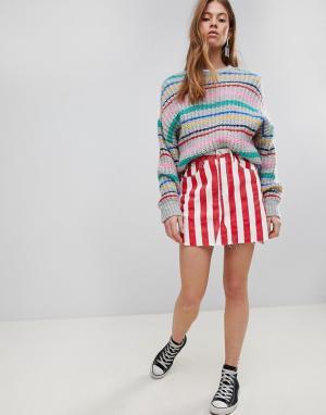 Glamorous Джинсовая мини-юбка в контрастную полоску. Цвет: красный