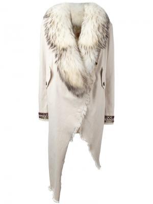 Пальто с декорированными манжетами Bazar Deluxe. Цвет: телесный