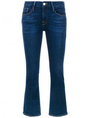 Укороченные джинсы с клешем ниже колена Frame Denim. Цвет: синий