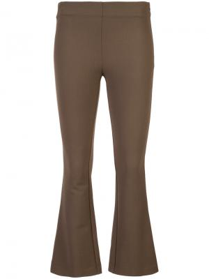 Укороченные расклешенные брюки Dusan. Цвет: коричневый