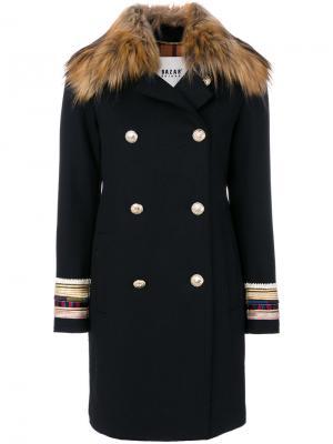 Двубортное пальто с вышитыми манжетами Bazar Deluxe. Цвет: чёрный
