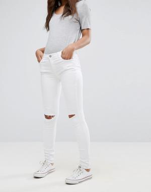 Glamorous Зауженные джинсы. Цвет: белый