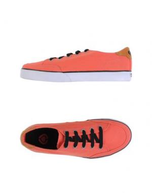 Низкие кеды и кроссовки C1RCA. Цвет: коралловый
