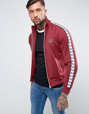 Fred Perry Красная спортивная куртка Sports Authentic. Цвет: красный