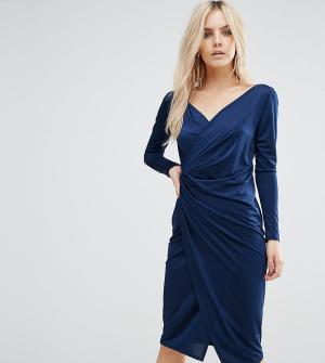 ASOS Petite Платье-футляр с запахом и длинными рукавами. Цвет: синий
