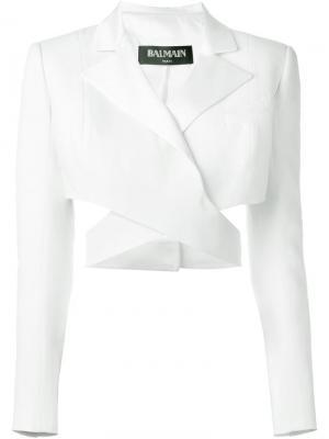 Укороченный пиджак с вырезными деталями Balmain. Цвет: белый