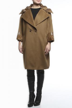 Пальто Regalia. Цвет: коричневый