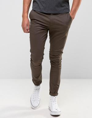 ASOS Ультразауженные коричневые чиносы. Цвет: коричневый