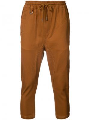 Укороченные брюки со стяжкой Publish. Цвет: коричневый
