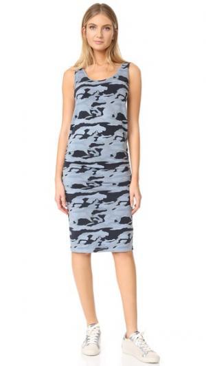 Камуфляжное платье со сборками MONROW. Цвет: голубой