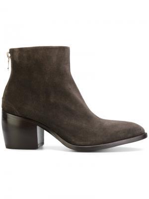 Rear zip boots Rocco P.. Цвет: коричневый