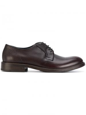 Дерби на шнуровке Leqarant. Цвет: коричневый