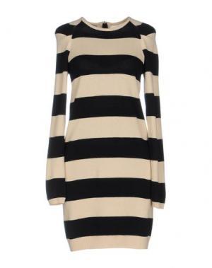 Короткое платье BEAYUKMUI. Цвет: бежевый