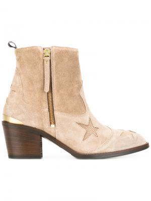 Ботинки со звездами Nubikk. Цвет: коричневый