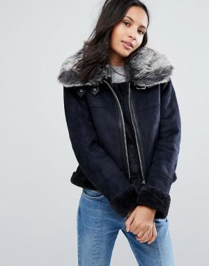 Urbancode Куртка с широким меховым воротником. Цвет: темно-синий