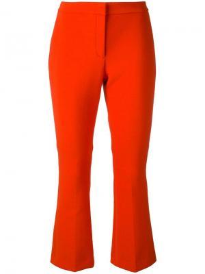 Укороченные расклешенные брюки Theory. Цвет: красный