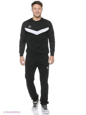 Спортивный костюм Umbro. Цвет: черный