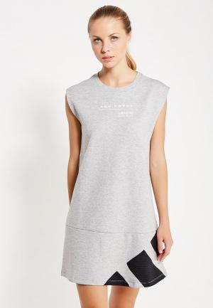 Платье adidas Originals. Цвет: серый