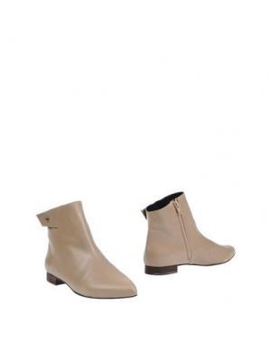Полусапоги и высокие ботинки MEGUMI OCHI. Цвет: бежевый