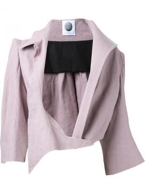 Укороченный пиджак с асимметричными лацканами Aganovich. Цвет: розовый и фиолетовый