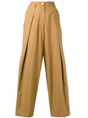 Укороченные плиссированные брюки Forte. Цвет: коричневый