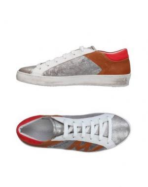 Низкие кеды и кроссовки MANILA GRACE. Цвет: серебристый