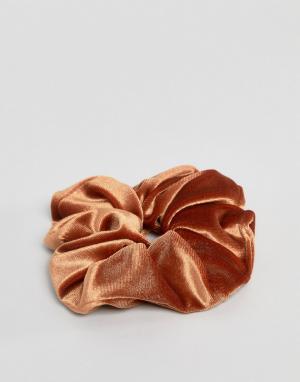ASOS Бархатная резинка для волос ограниченной серии. Цвет: желтый