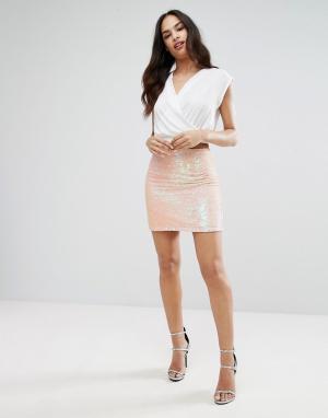 Lipsy Мини-юбка с пайетками. Цвет: розовый