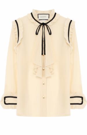 Прозрачная шелковая блуза с плиссированными оборками Gucci. Цвет: бежевый