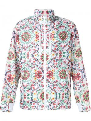 Куртка с разноцветным принтом White Mountaineering. Цвет: белый