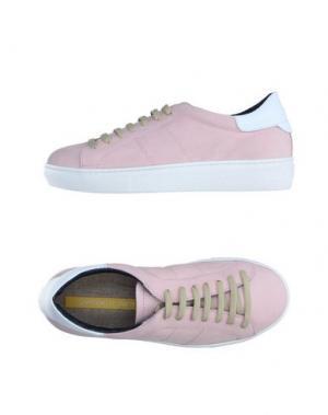 Низкие кеды и кроссовки GIANMARCO LORENZI. Цвет: розовый