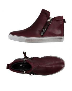 Высокие кеды и кроссовки OM. Цвет: красно-коричневый