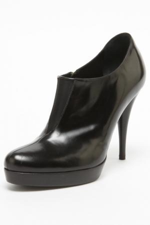 Туфли Fendi. Цвет: черный