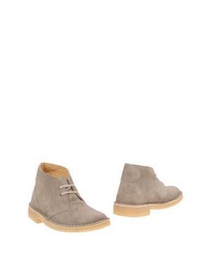 Полусапоги и высокие ботинки CLARKS ORIGINALS. Цвет: голубиный серый